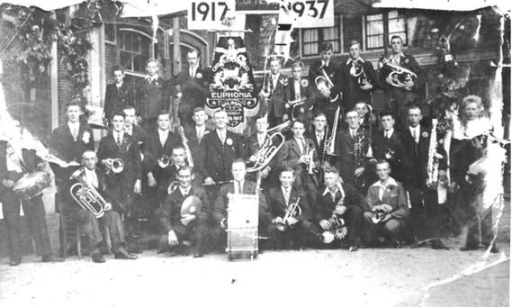 1937 (20-jarig bestaan)