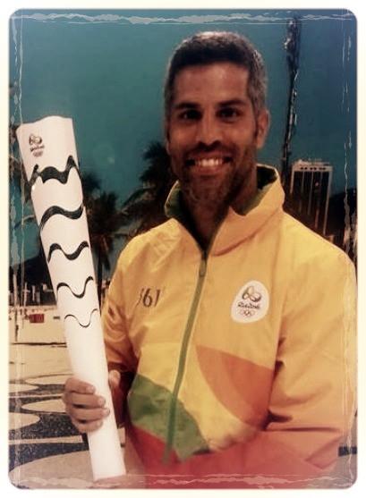 roberto sojo, olympic torch, olympics
