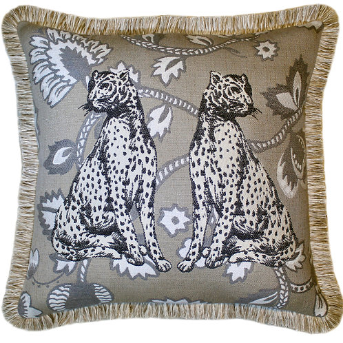 Regal Cats Fringed Throw