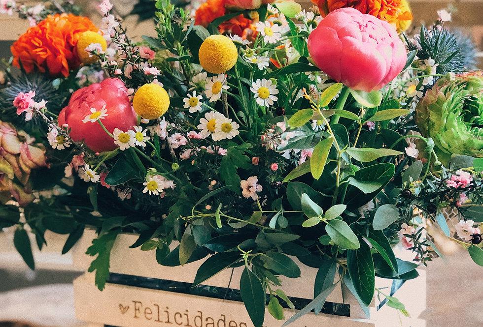 Caja con flor variada