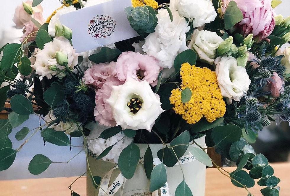 Sombrerera centro floral natural (49€ - 60€)