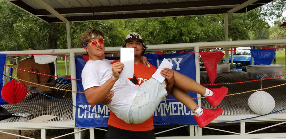 13 and Over 3 Legged Race 2nd Byrum Eidson and Cruz Perez
