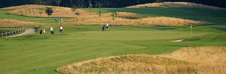 diners-cubo-golf-ljubljana_071506_full.j