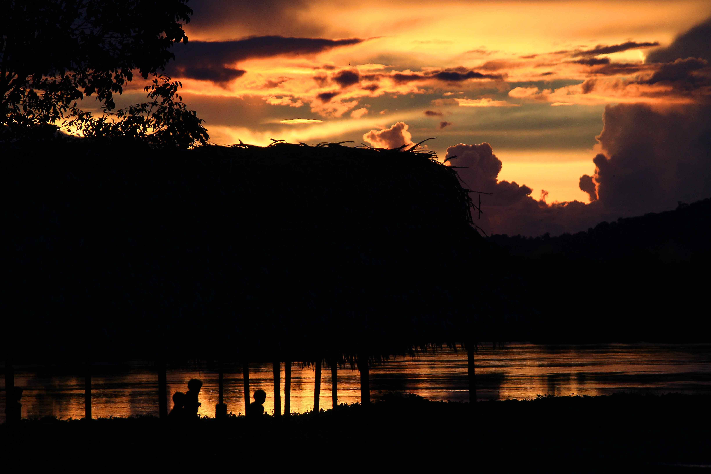 Alice Kohler_ Por do Sol na Aldeia Xingu.jpg