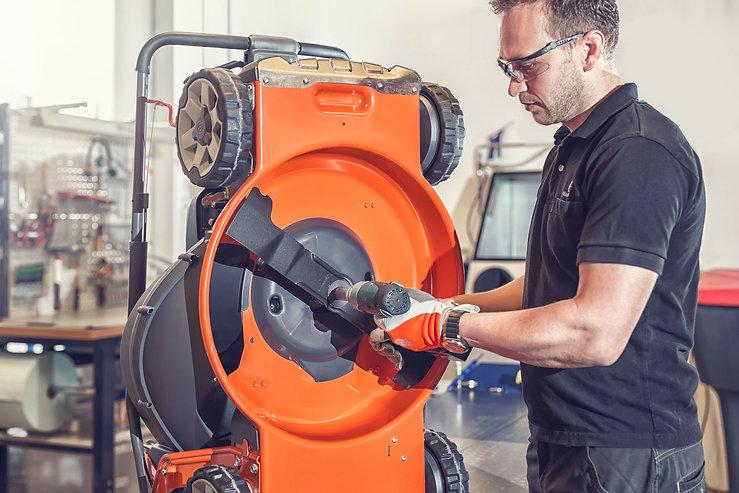 Réparation petits moteurs mécaniciens certifiés