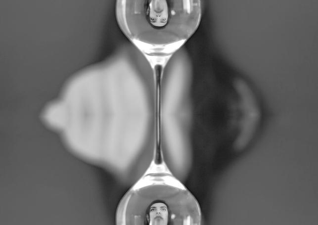 Realidade Surreal arte isolamento Ariane Delcin Pires.png