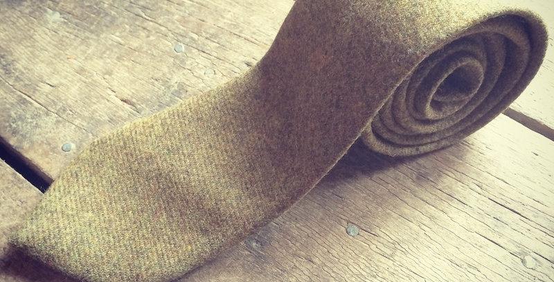 Browny/Green Tweed Tie