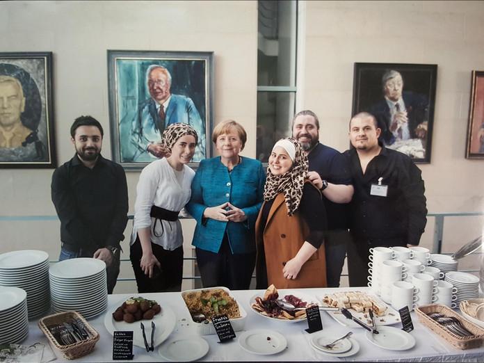 Frau Angela Merkel with Malakeh Jazmati - Pinda Station (بيندا) media Agency