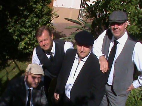 Timo Tietz( p), Uli Schneider (dr), Stephan Dolgener( g),