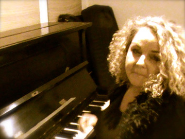 Friederike Alexandra Brueck ( music & lyrics)