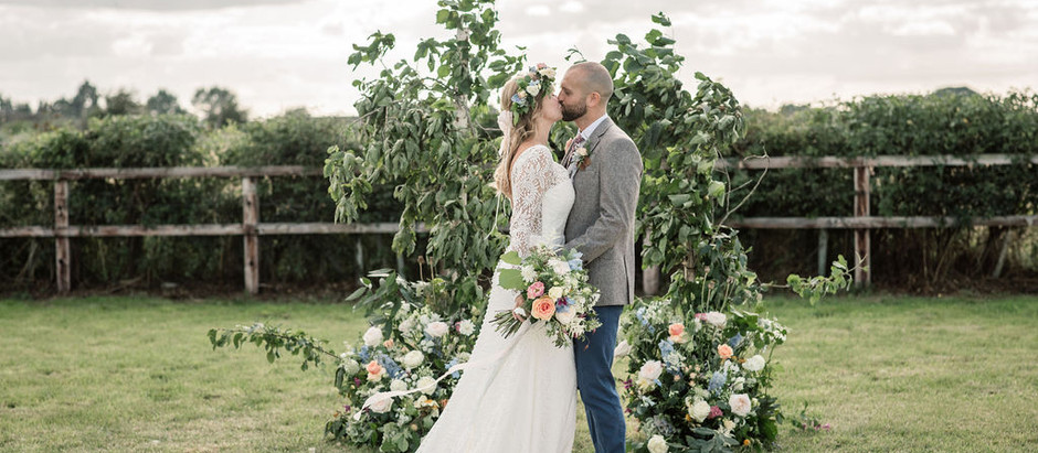A Relaxed Floral Wedding Vibe