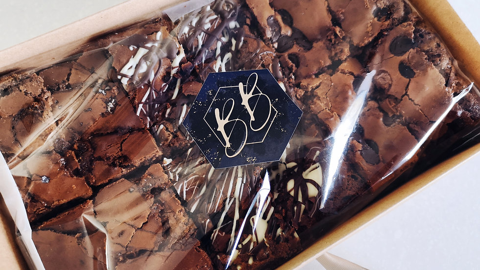 Sharing Brownie Box (16 Slices)
