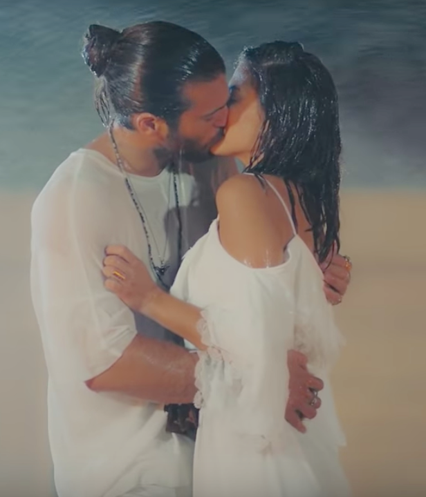 Erkenci Kus English can and sanem Ocean kiss
