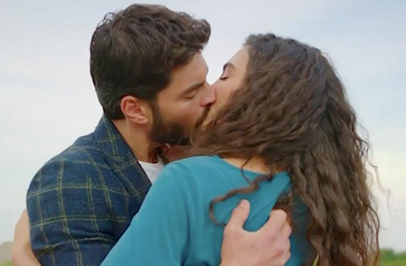 Miran and Reyyan kiss Hercai kiss