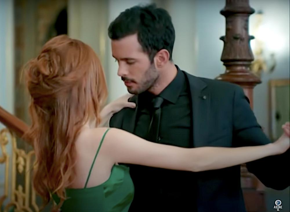 Kiralik ask Omer and Defne dance tango proposal
