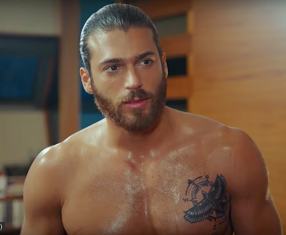Erkenci Kus English Can yaman body chest