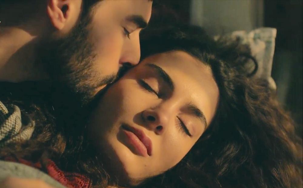 Hercai kiss romance Miran and Reyyan