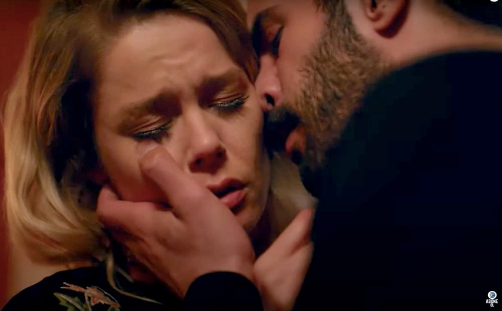 Kuzgun kiss romance