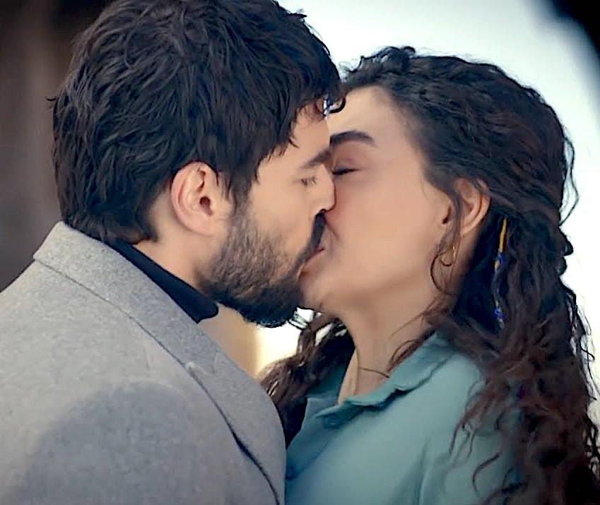 Hercai Miran and Reyyan first kiss