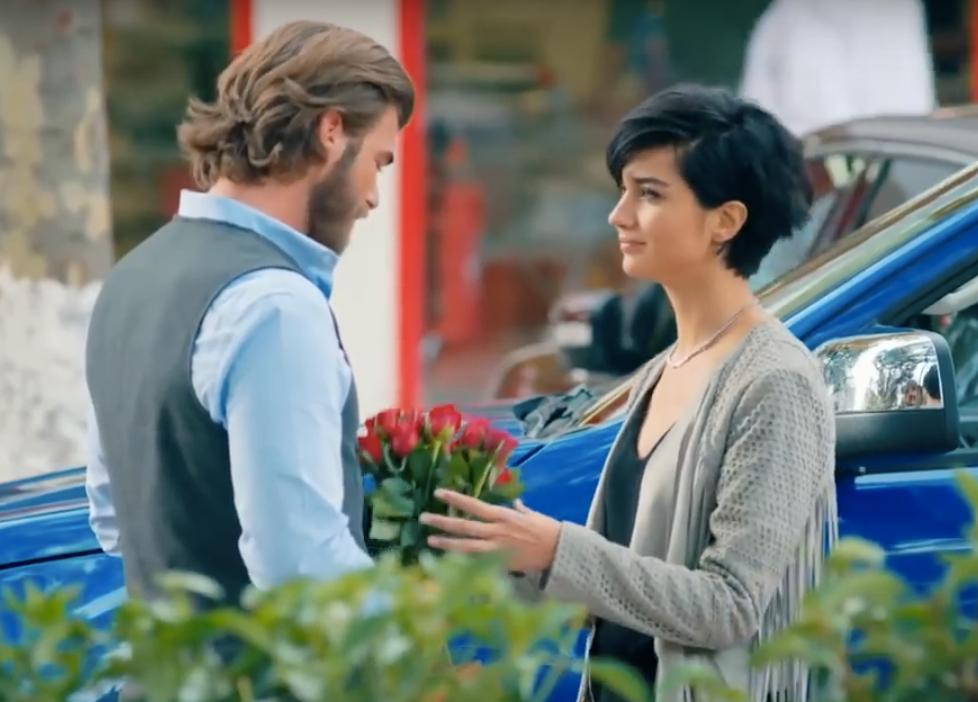 Cesur ve Guzel -Cesur and Suhan with flowers
