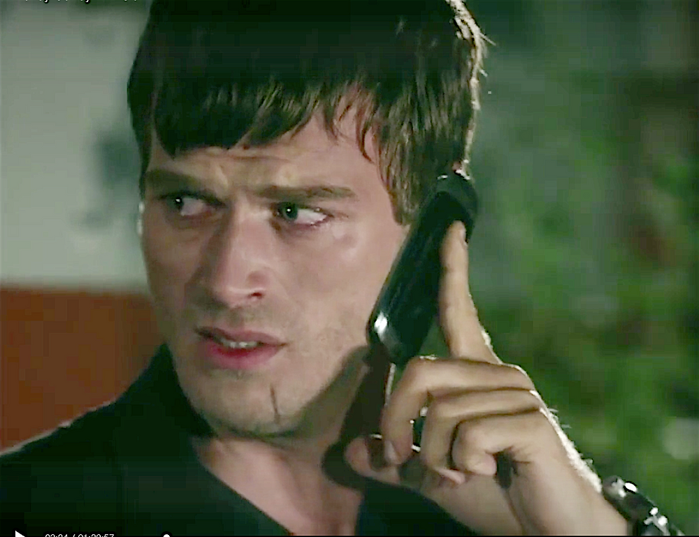 Kuzey calls Cemre and tells her he loves her