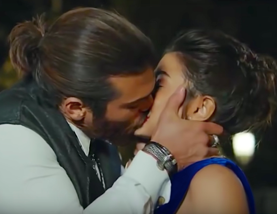 Erkenci Kus English Can and sanem kiss