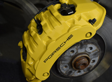Porsche Macan - Caliper colour change and refinishing