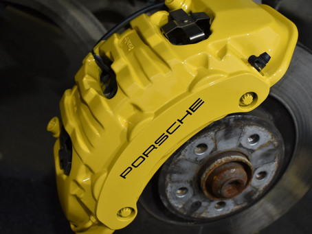 Porsche Macan - Caliper colour change and refinishing