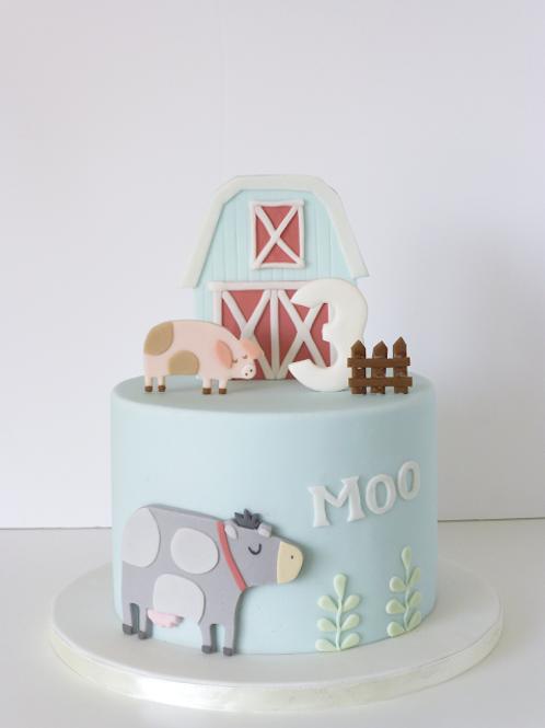 Farm Animals Fondant Sugarpaste Cake 6'' 6-10 ppl
