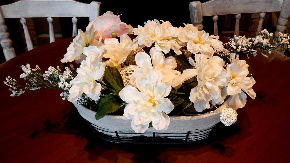Centre de table fleurs crème #1