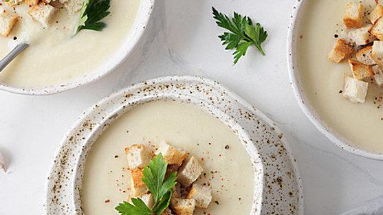 Light Cauliflower Soup