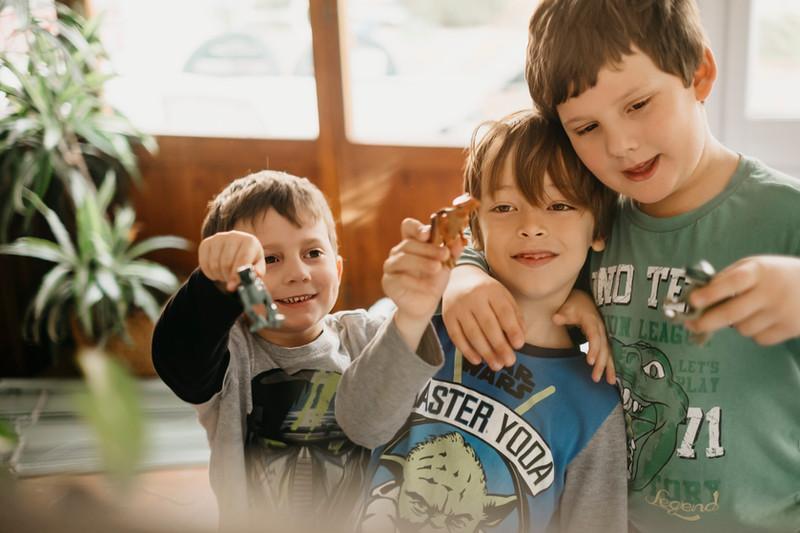 Una mattina tra cugini - Lifestyle session - fotografo bambini Trieste