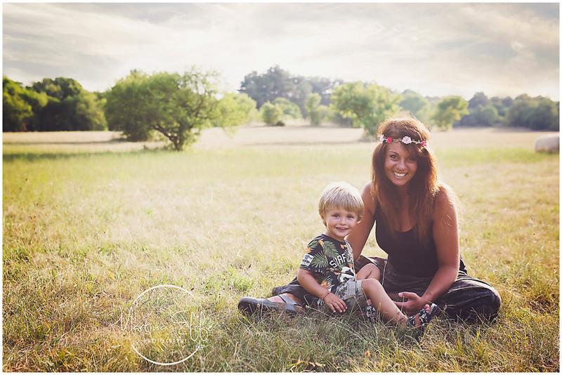 Giordano, una meraviglia di bimbo con la sua mamma e il suo papà | fotografa bambini e famiglie a Tr