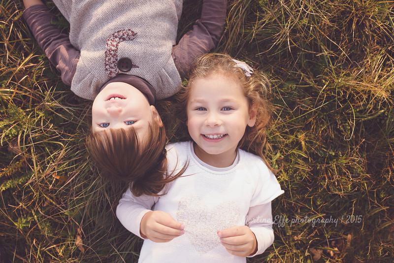 Nina, Adele e l'autunno | fotografa bambini e famiglie a Trieste