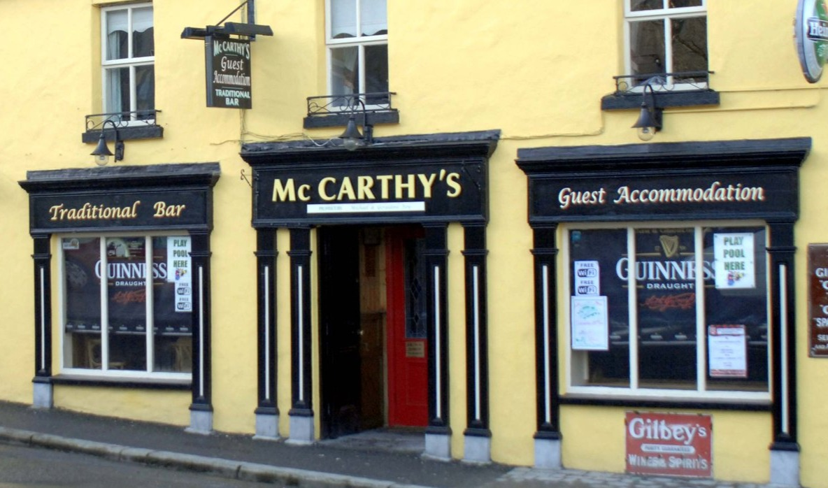 McCarthy's Bar & Guesthouse