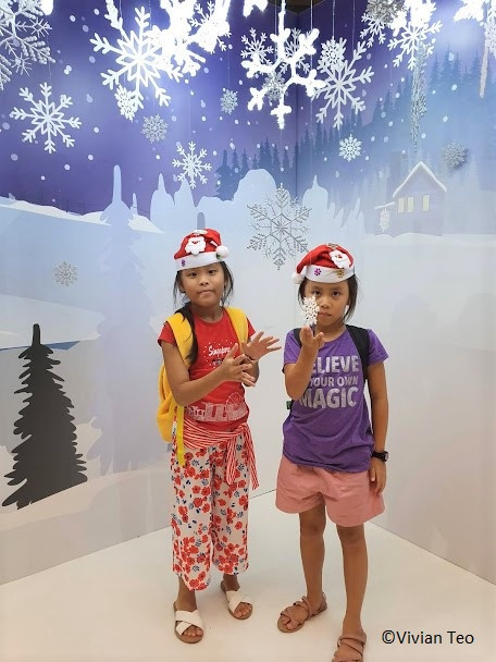 Sci-sational Christmas elves HQ headquarters Singapore Science Centre