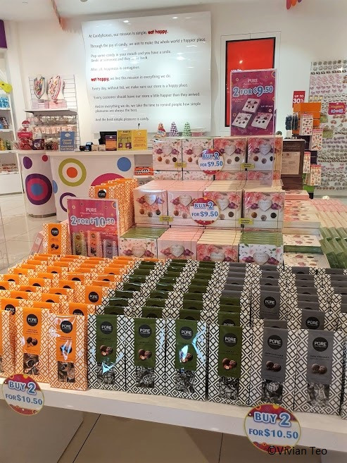 Candylicious at VivoCity in Singapore candy, chocolate, stationery, soft toy, plushy sale