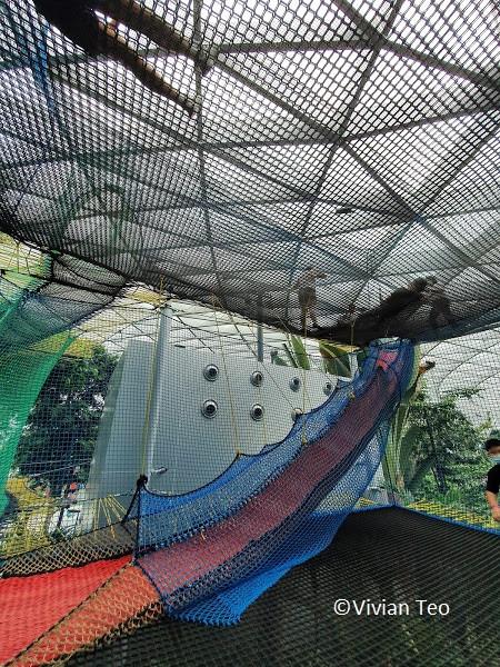 Bouncing Nets Jewel Canopy Park Singapore kids children activity crowd slide