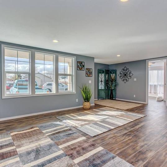 Livingroom Floor and Window Replacement