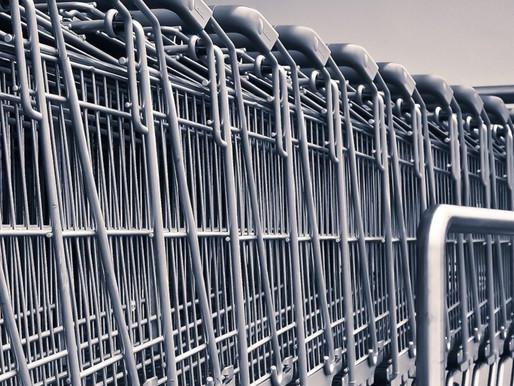 Online-Shop: Einkauf im Internet – E-Mail kündigt Lieferung an