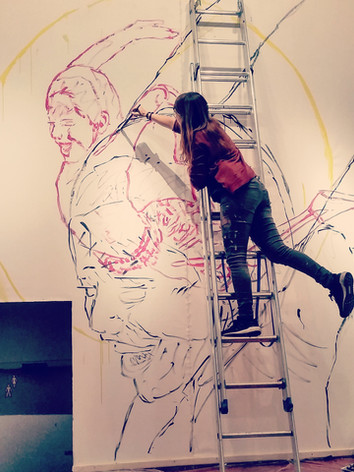 """painting the mural """"Volar"""""""