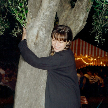 Hugging an olive tree in Nice