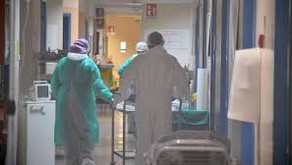 COVID-19  Salgını Sırasında Romatizma Hastaları Nasıl Etkileniyor; İlk Yayınlanmış Veriler