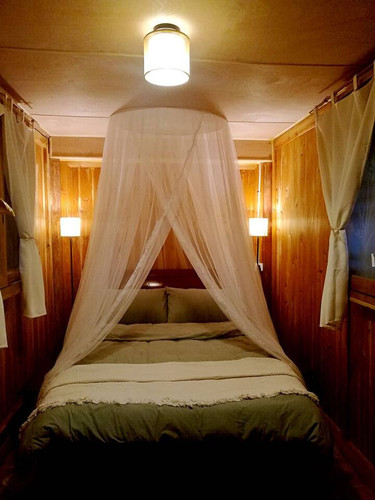 2.bedroom1.jpg