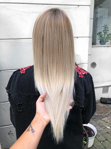 Balayage_hår_blond.jpg