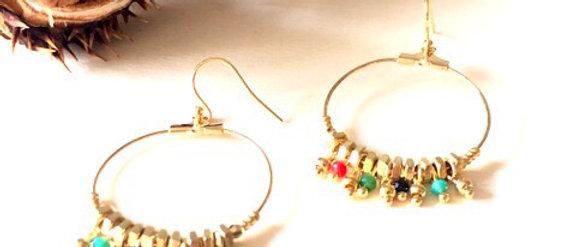 Boucles d'oreilles grandes créoles écrous multi perles Oh la la !
