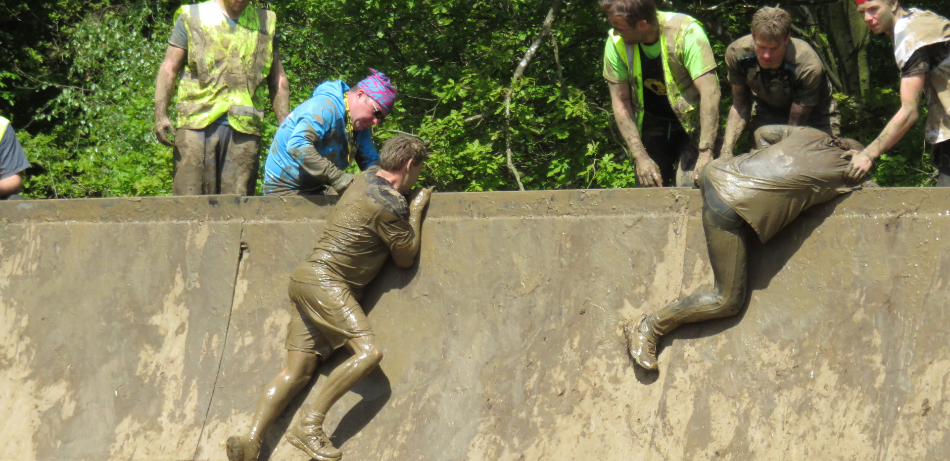 Nuclear Races muddy wall! Outdoor Fitness | Personal Training | Personal Trainer | Gym | Weights | Fitness | Exercise | Group | One to One | Harlow | Brentwood | Sawbridgeworth | Bishops Stortford | Healthy