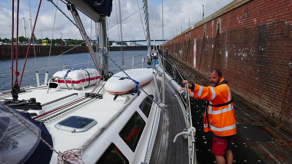 I slussen i Kiel, början på Kielkanalen från Sverige sett