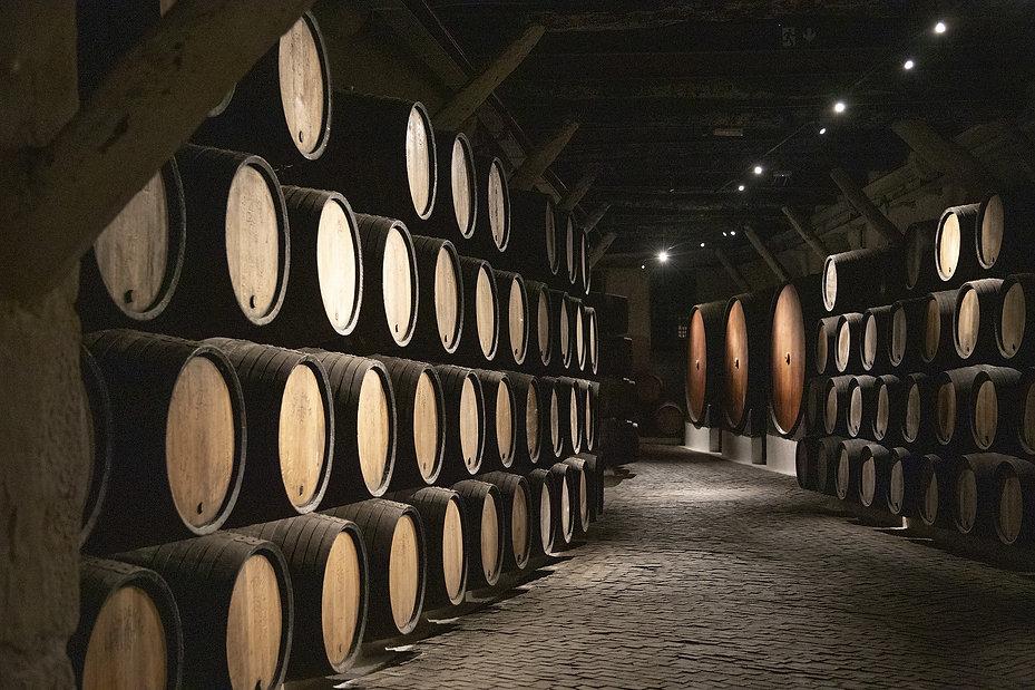 barrels-4087153_1920.jpg