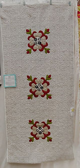 616 - Pam Osborne - Ohio Rose Bed Runner
